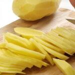 Жареная картошка с копченым салом и яйцом1
