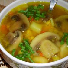Гороховый суп с курицей и грибами